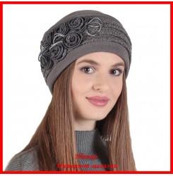 Демисезонная шапка Романтика 1