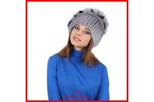 Выбор меховой шапки в интернет-магазине